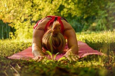 Yoga Olie 4x10ml Etherische Olie Set - Palo Santo Olie 10ml, Lavendelolie 10ml, Pepermuntolie 10ml, Rozemarijnolie 10ml - Essentiële Aroma Yoga Olie