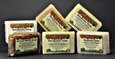 30x Natuurlijke Zepen van 100gr - Pakket met 5x Zwarte Zeep, 5x Aloë Vera Havermout Zeep, 5x Neemolie Zeep, 5x Tea Tree Olie Zeep, 5x Eucalyptus Olie Zeep en 5x Honing Havermout Zeep